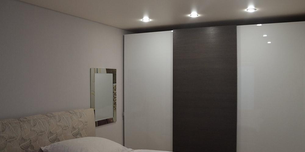 Schlafzimmer renovieren - Stil Spanndecken